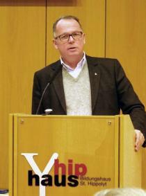 Dr. Andreas Batlogg SJ